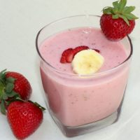 Healthy Strawberry Banana Milkshake