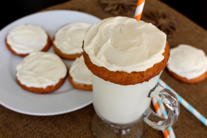 Root Beer Float Cookies. Soft root beer cookies spread with creamy root beer buttercream