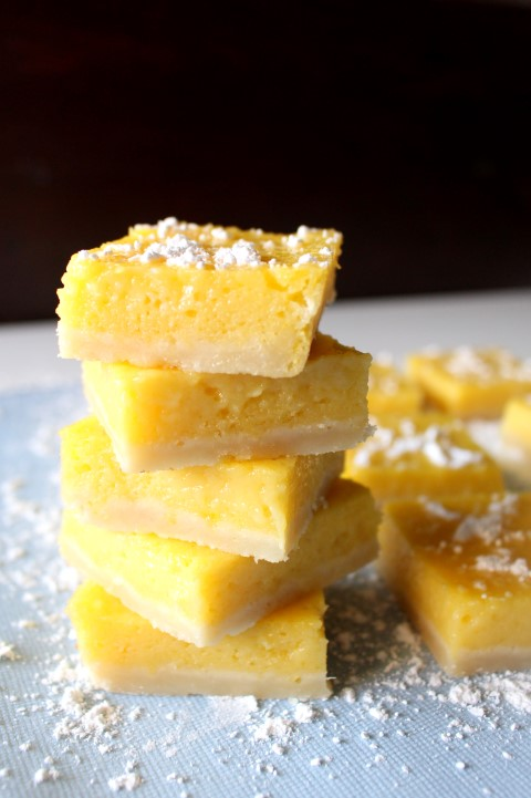 Mango Lemon Bars | www.chocolatewithgrace.com | #mango #lemon #bars #recipe