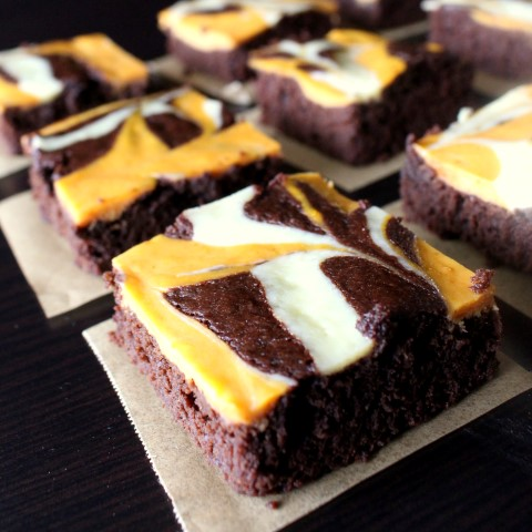 Pumpkin Swirl Brownies are the Perfect Fall Treat! Such a delicious brownie recipe for this time of year!