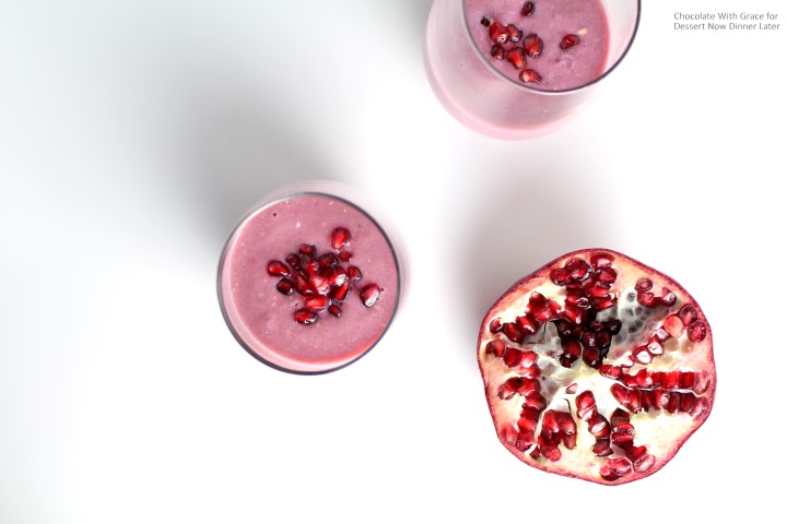 This Pomegranate Banana smoothie is and easy, healthy and delicious treat to start out your new year!