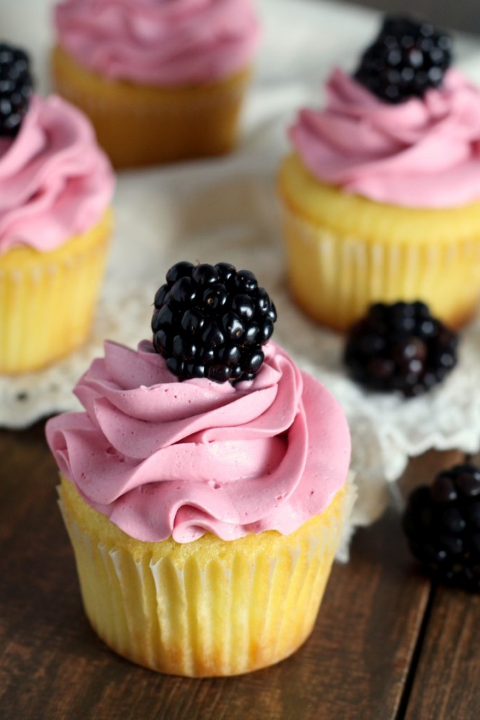 Blackberry Vanilla Cupcakes (1)