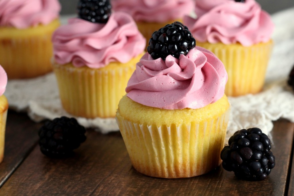 Blackberry Vanilla Cupcakes (5)