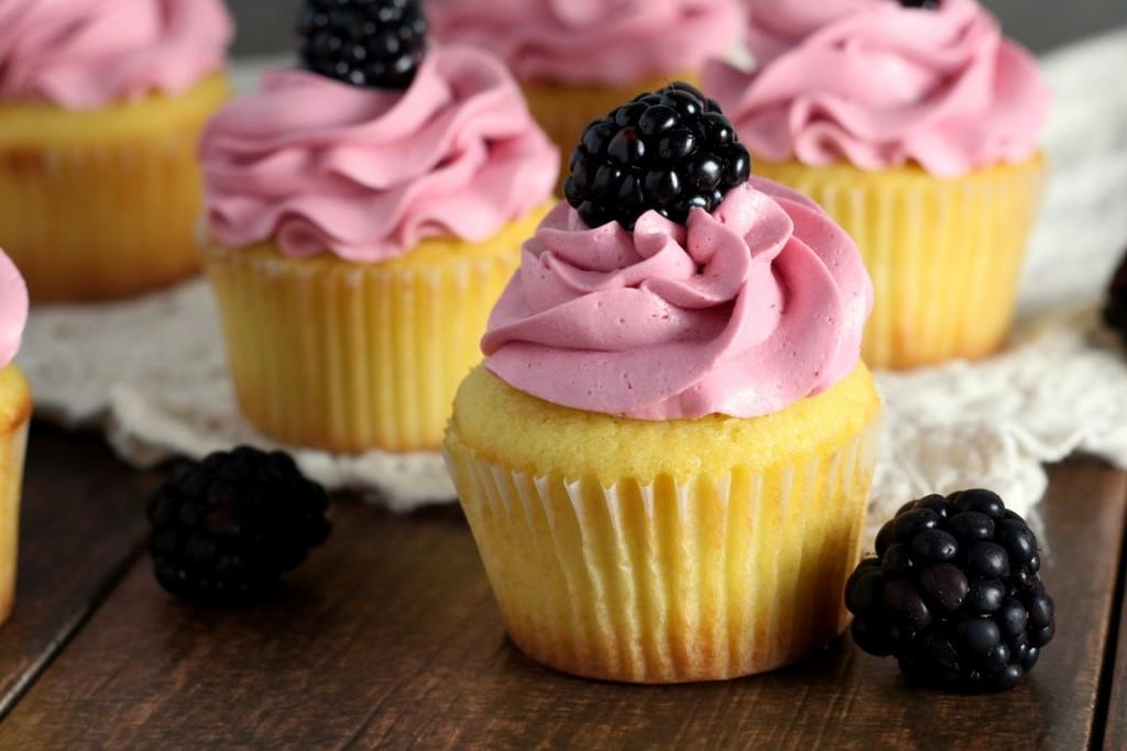 Blackberry Vanilla Cupcakes (5)