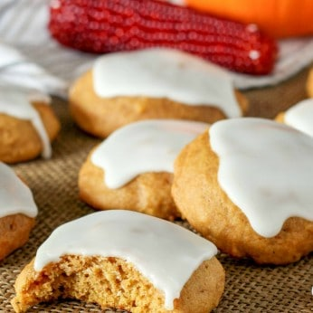 Glazed Pumpkin Cookies are the fall cookie that we love.