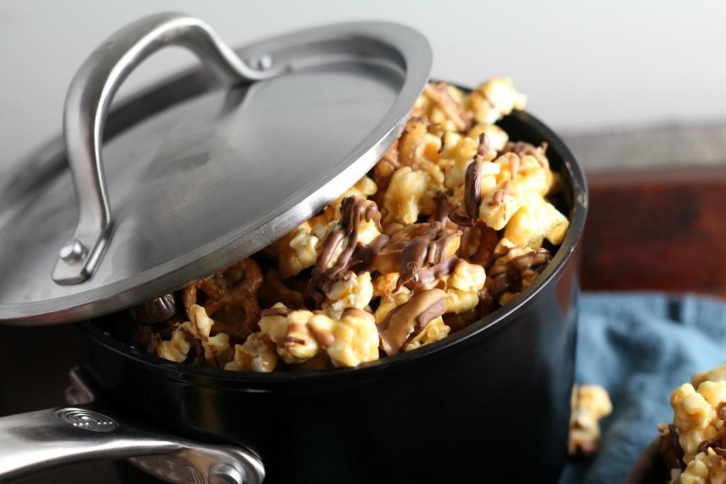 peanut-butter-cup-pretzel-popcorn-2