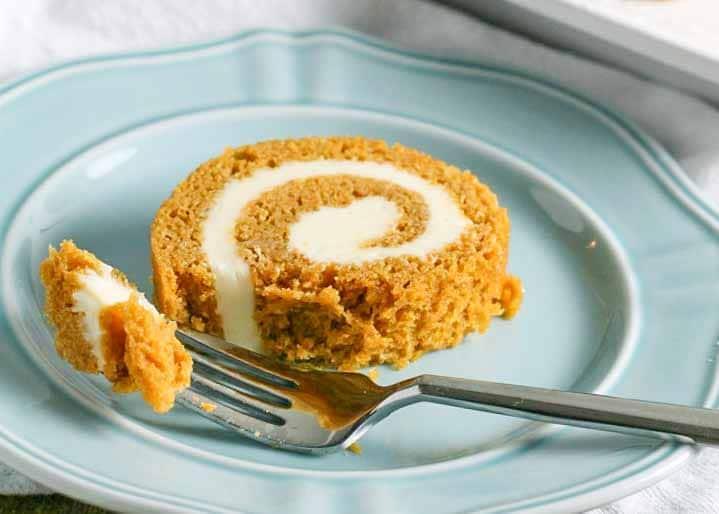 Classic Pumpkin Cake Roll