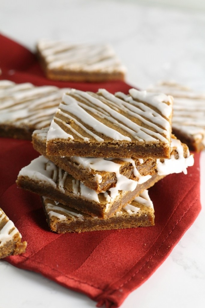 Soft Glazed Gingerbread Bars   A quick and easy gingerbread recipe perfect for Christmas or the Holidays   Easy Gingerbread recipe   Christmas cookie trays and exchanges