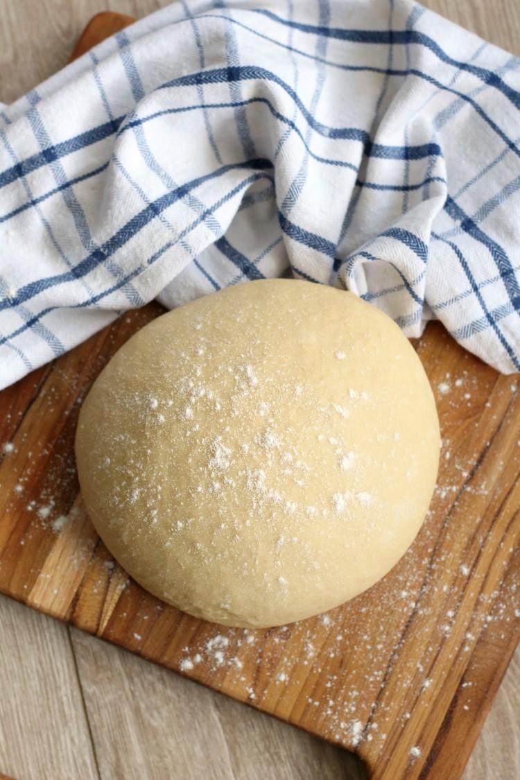 Sweet yeast dough buns - the best homemade dessert 1