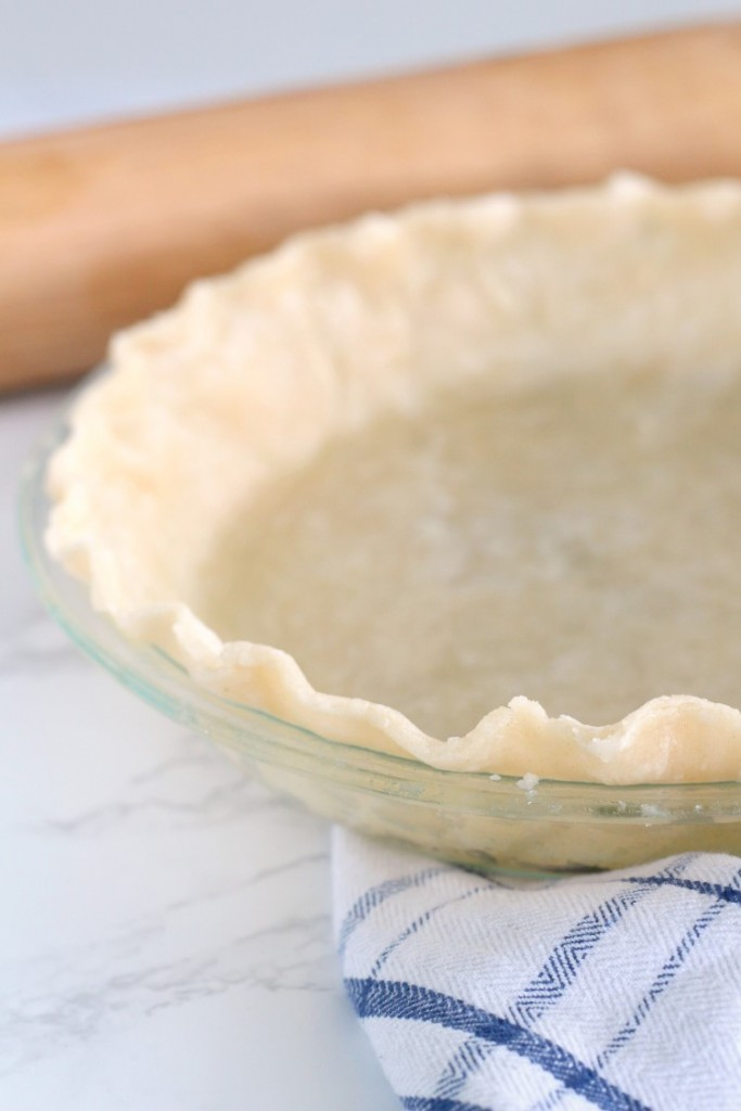 Easy oil pie crust recipe. A quick cheater version of pie crust. 10 mins, 4 ingredients. It's tender and delicious too!