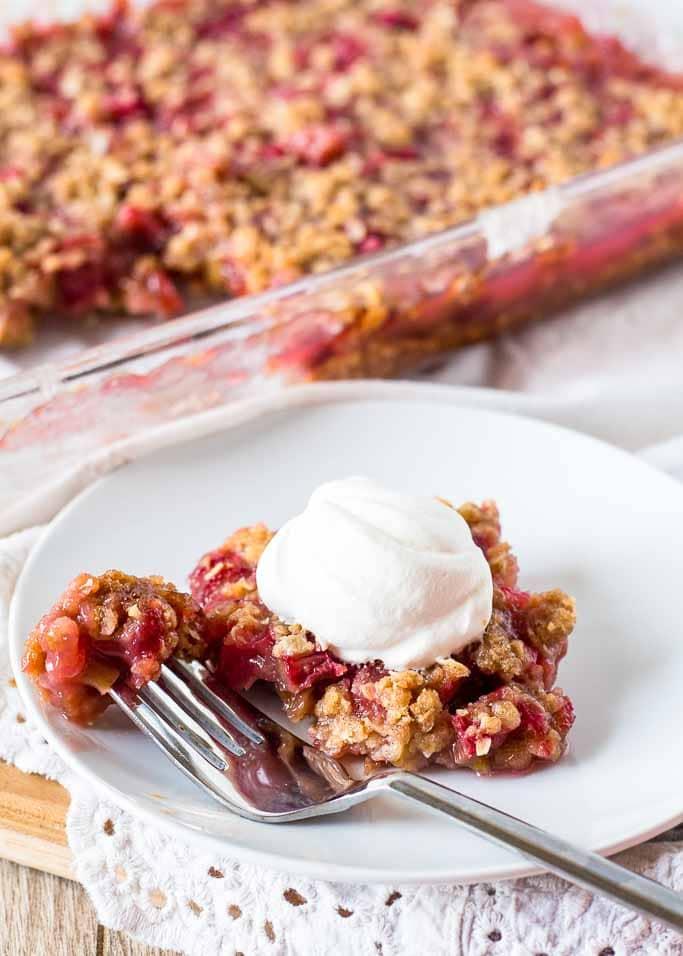 Old Fashioned Rhubarb Crunch