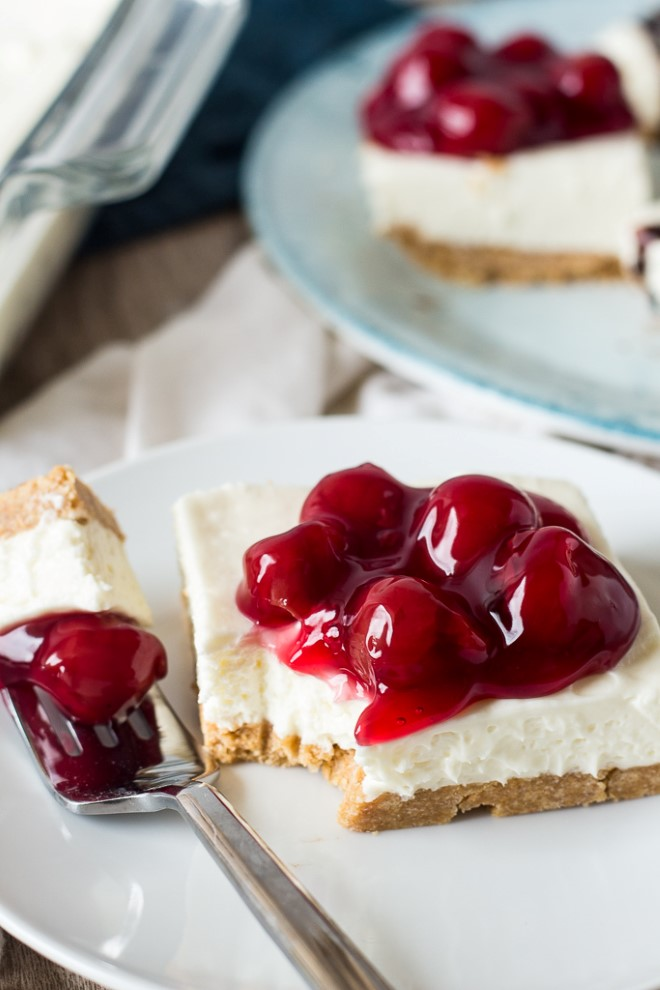 no bake cheesecake with cherry pie filling on top