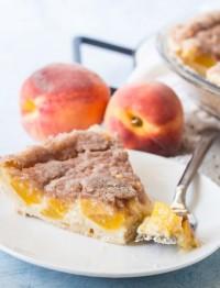 peach cream pie with streusel