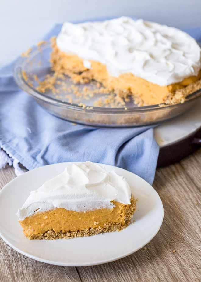 Easy no bake recipe for Pumpkin Cheesecake Pie