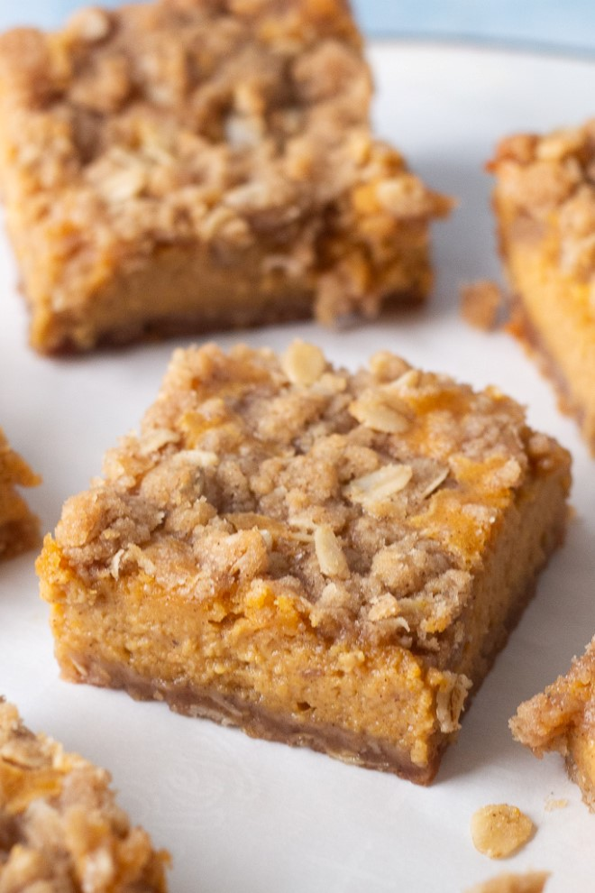 pumpkin streusel bars with crumb topping